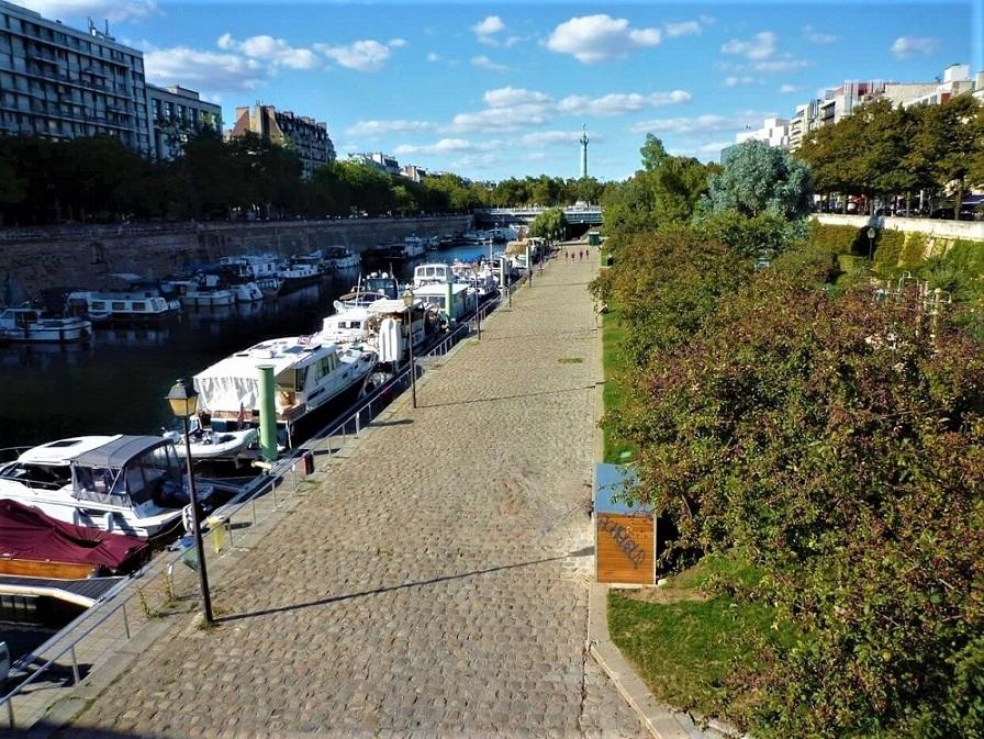 Le port de l'Arsenal vu depuis la passerelle Mornay