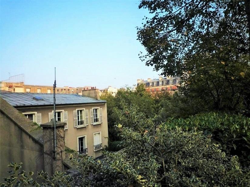 Vue depuis la Coulée verte René Dumont à Paris