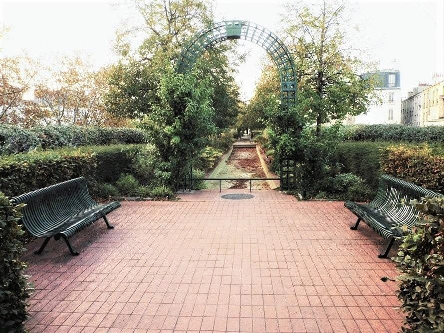 Les bancs de la promenade plantée